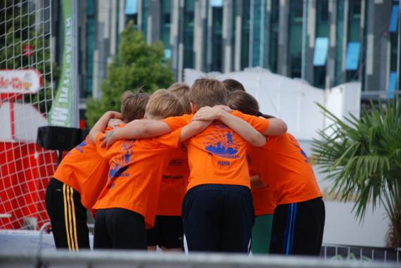 """Der DREIECK MARKETING-Cup """"Ball über die Leine"""" für Grundschüler"""